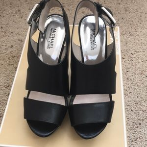 Michael Kors Platform Sandals size 8.5
